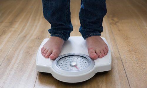 Предотвратить появление грыжи паховой области помогает контроль массы тела (ожирение - главная причина ослабления мышц тазового дна)