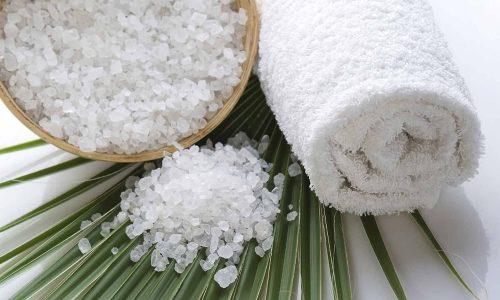 Хорошую эффективность в домашней терапии показывают солевые компрессы