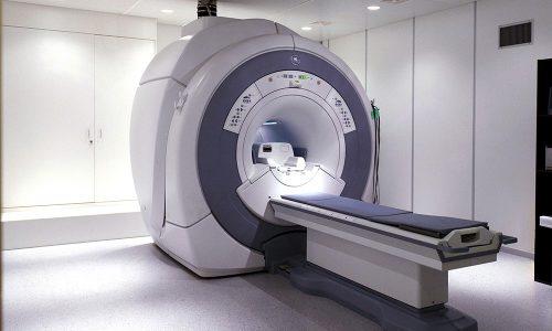Для уточнения диагноза назначается компьютерная и магнитно-резонансная томографии
