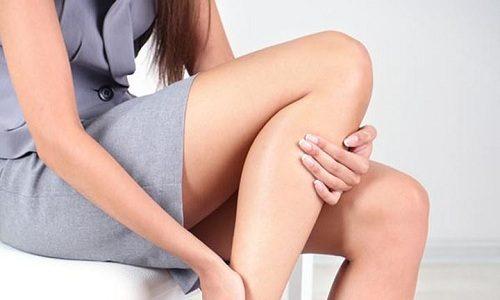Лечение онемения ноги при грыже позвоночника - это комплексная терапия, которая включает в себя прием медикаментозных препаратов, физиотерапию, массаж
