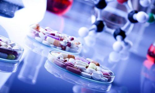 Медикаментозное лечение проводится посредством введения нестероидных препаратов, которые снимают воспаление, снижая при этом и болевые ощущения