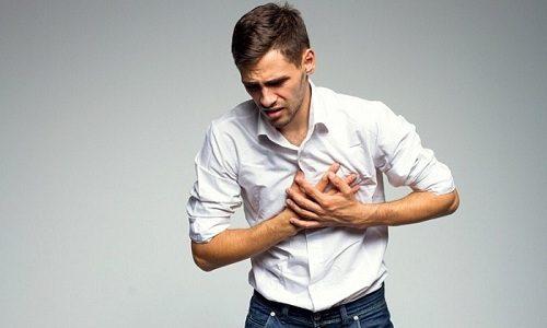 Использовать кинезиотейпирование нельзя тем людям, которые имеют нарушения в работе сердца