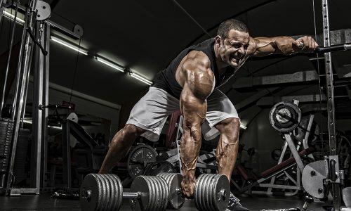 Грыжа - частый диагноз у профессиональных спортсменов-тяжелоатлетов, которые поднимают большие грузы