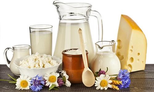 При наличии грыжи желудка в меню следует включить молочные продукты