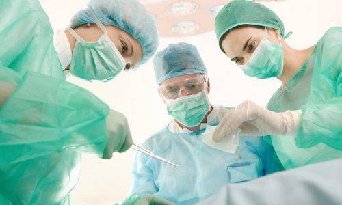 Единственным существующим средством лечения врожденной грыжи является хирургическое вмешательство