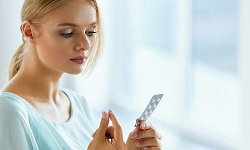 Грыжа поясничного отдела позвоночника требует комплексного воздействия, включающего прием обезболивающих препаратов