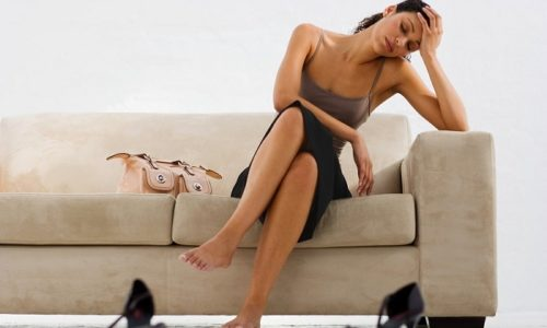 В течение часа после начала приступа у человека наблюдается ухудшение общего состояния. Появляются жалобы на слабость и отсутствие аппетита