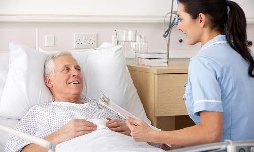 После проведения хирургического вмешательства любого типа пациент должен некоторое время находиться в больнице под контролем врача