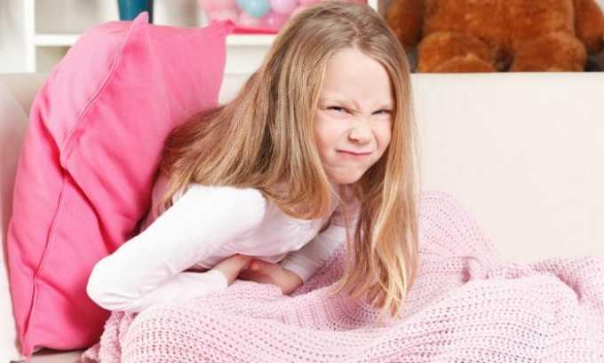 Выделяют главные симптомы, по которым можно судить о развитии грыжи. К примеру, постоянная ноющая боль, которая доставляет ребенку дискомфорт