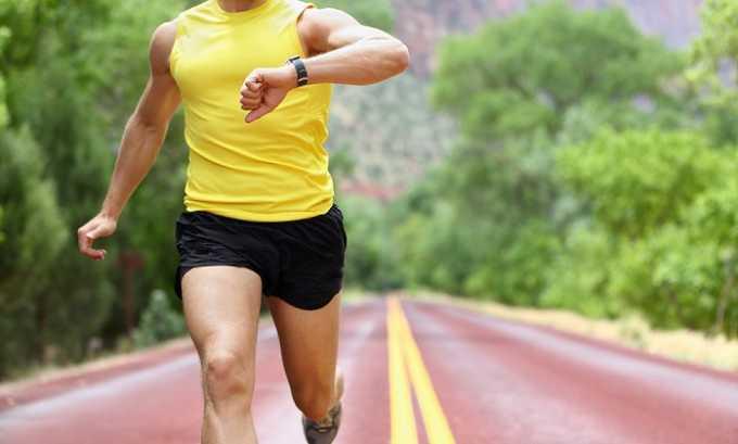 Запрещен интенсивный бег, поэтому людям с позвоночной грыжей противопоказаны хоккей, фитбол, баскетбол, легкая атлетика