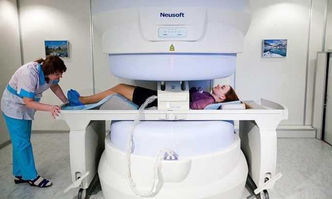 Перед вмешательством нужно выполнить магнитно-резонансную томографию, что поможет точно определить расположение выпячивания и его размеры