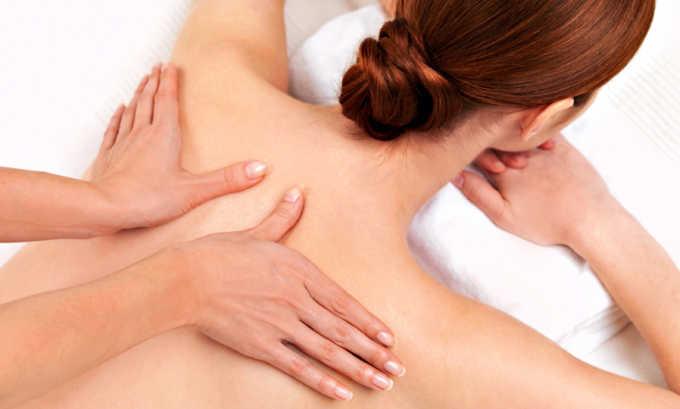 Техника массажа при парамедианной грыже отличается от классической. Это связано с тем, что надавливание на нервные корешки провоцирует сильную боль