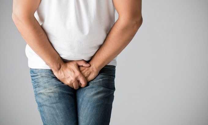 У мужчины может появиться ноющая боль в паху, где были наложены швы после операции. В данном случае специфического лечения не требуется