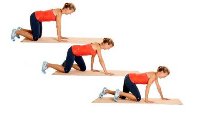 Третье упражнение при грыже: необходимо встать на четвереньки и обойти комнату, держа спину прямо