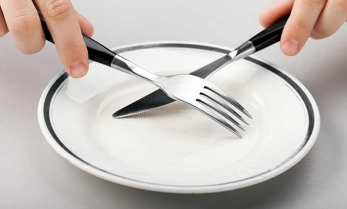 Накануне операции необходимо отказываются от приема пищи