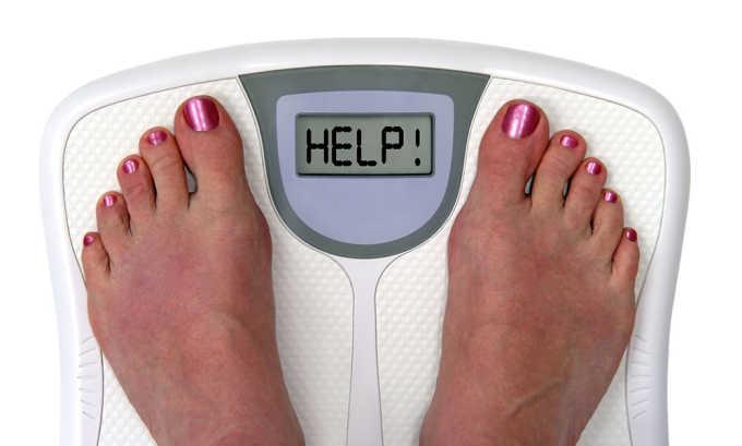Лишний вес - главная причина появления грыжевого мешка