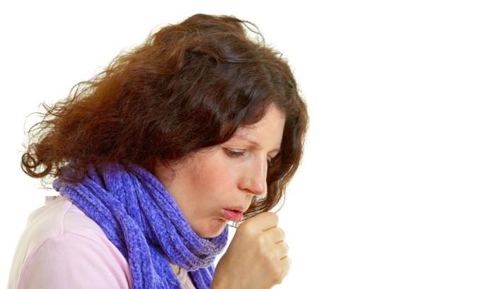 При кашле происходит увеличение давления в животе
