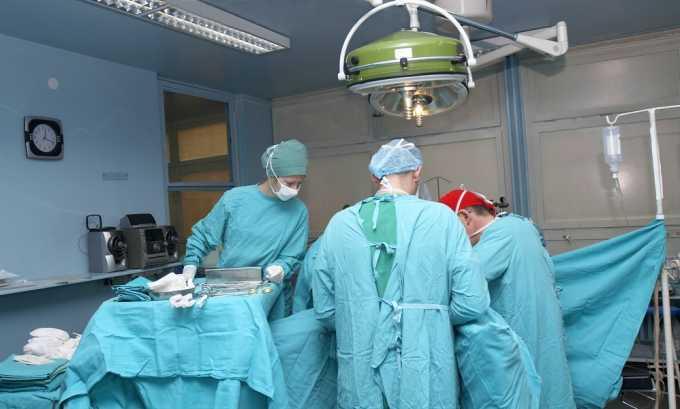 После хирургического вмешательства может развиться грыжа