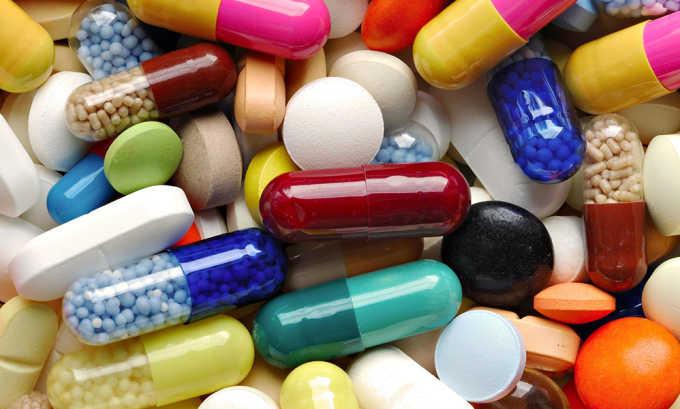 Медикаменты направлены на купирование болезненной симптоматической картины и предупреждение дальнейшего развития патологического процесса