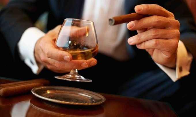 Частое употребление алкоголя и табакокурение способствуют появлению заболевания