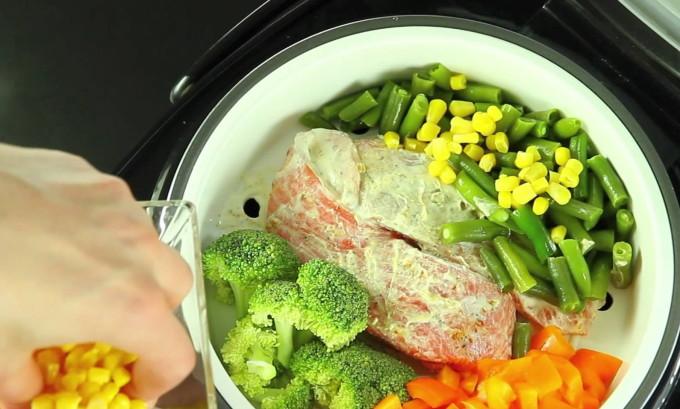При ГПОД продукты необходимо подвергать правильной кулинарной обработке: запекать, отваривать или готовить на пару