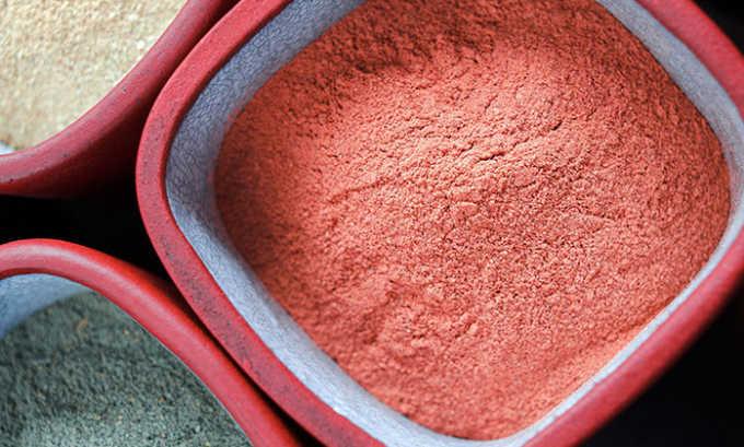 Бандаж из красной глины хорошо подходит для купирования тянущей боли у беременных