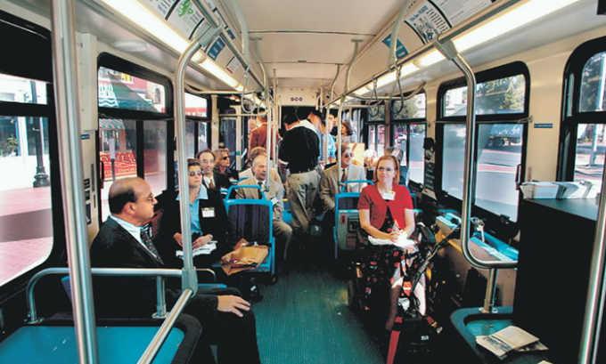 В поздний восстановительный период запрещено пользоваться общественным транспортом, а так же сидеть