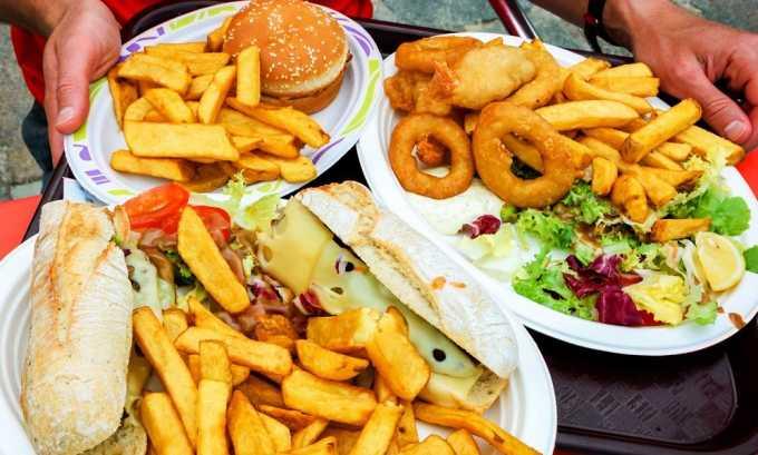 Острые, жирные блюда запрещены при грыже позвоночника поясничного отдела