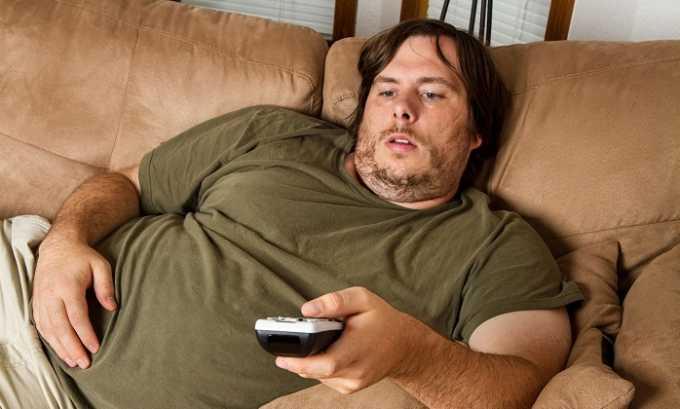 В некоторых случаях лишний вес способствует развитию послеоперационной грыжи на животе