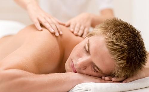 Фото: Лечебный массаж при грыже позвоночника