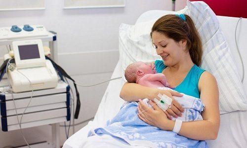 Диафрагмальная грыжа у новорожденных — это сравнительно редкая аномалия развития, характеризующаяся смещением органов, которые в норме располагаются в брюшной полости, в грудную клетку
