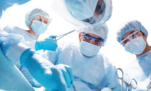 Метод удаления пупочной грыжи подбирается для каждого пациента в индивидуальном порядке