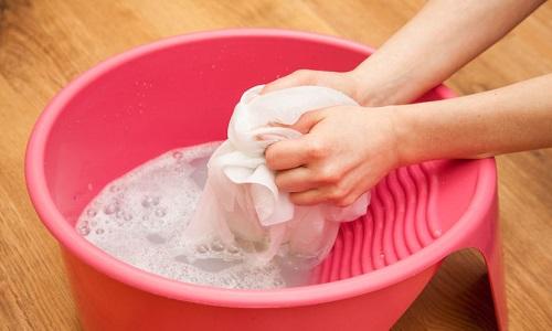 Стирать бандаж необходимо вручную мягкими моющими средствами при температуре не выше +40°С