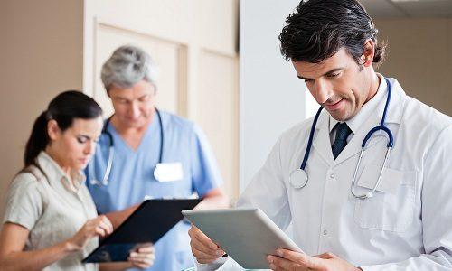 Перед использованием помощи мануального терапевта больной должен пройти предварительное обследование у других врачей, которые помогут установить текущее состояние человека
