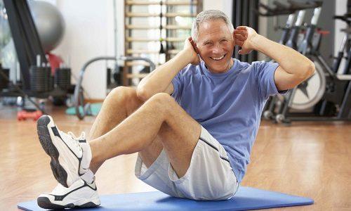 Для возвращения к прежней физической активности мужчина должен начать выполнять легкие гимнастические упражнения