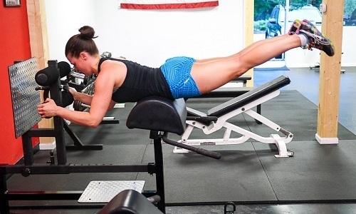 Упражнения на гиперэкстензии являются достаточно результативными для того, чтобы укрепить мышцы поясничного отдела спины