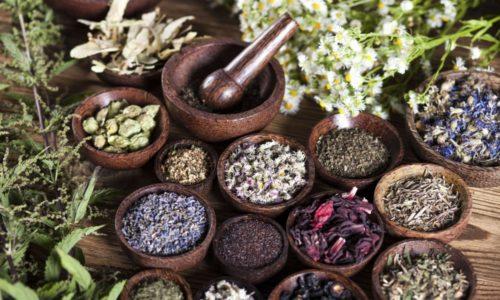 Использование рецептов народной медицины не позволяет устранить грыжу