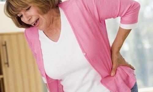 При развитии костной грыжи у человека могут начаться проблемы с передвижением