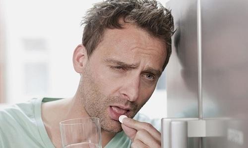 Лекарственные средства, которые можно принимать при грыже, направлены только на подавление симптоматической картины дефекта брюшной стенки