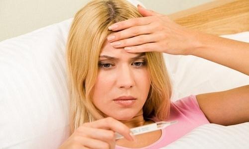 Хирургическое вмешательство ослабляет организм, поэтому у большинства пациентов в восстановительном периоде регистрируется повышение температуры
