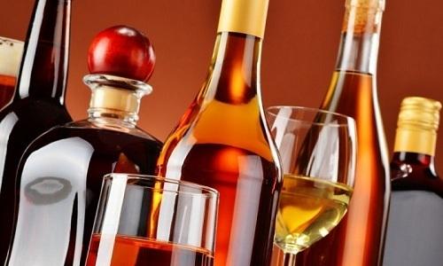 Временно исключить из своего меню нужно алкогольные напитки