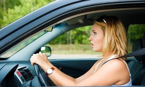 Полужесткие корсеты могут быть рекомендованы для распределения нагрузки во время вождения авто
