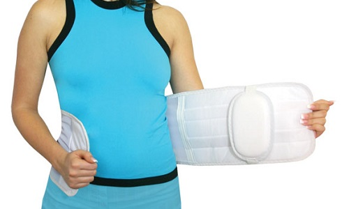 Уже в послеоперационный период больному назначается ношение специального бандажа
