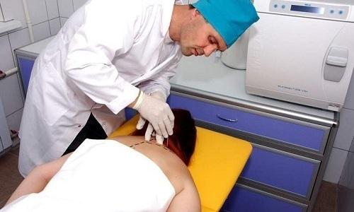 При использовании блокады в область пораженного участка вводятся препараты сильного действия