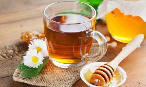 На завтрак можно выпить несладкий чай с медом