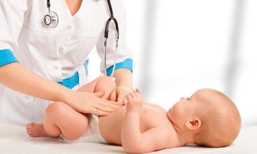 При пальпации врач определяет наличие выпячивания различной консистенции в области паха и брюшной стенки
