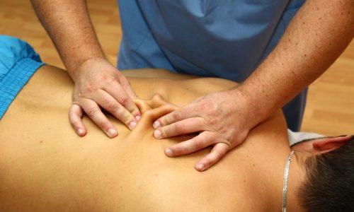 В основе этой техники лежит идея о лечении заболеваний через воздействие на особые участки тела. Массажист работает не с пораженной зоной, где расположена грыжа, а с участками, связанными с этой областью